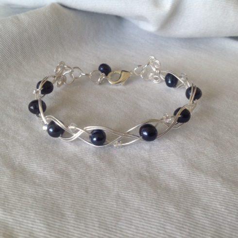 Navy F.W. Pearl w crystal beads & wire braid 1