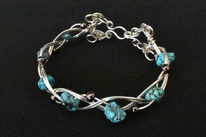 Turquoise-Glass Beads in Braid1