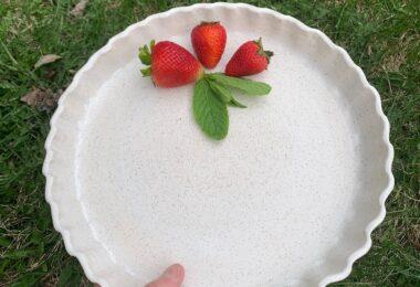 Pottery pie plate
